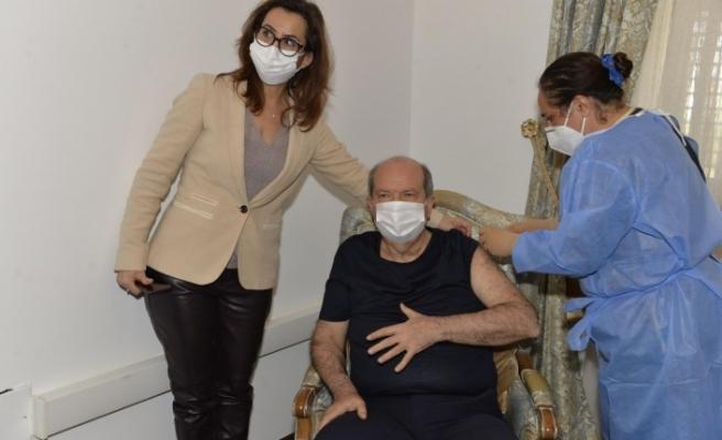 KKTC Cumhurbaşkanlığı Açıklaması... Cumhurbaşkanımız Ersin Tatar, Covid-19'a karşı ikinci doz aşısını yaptırdı