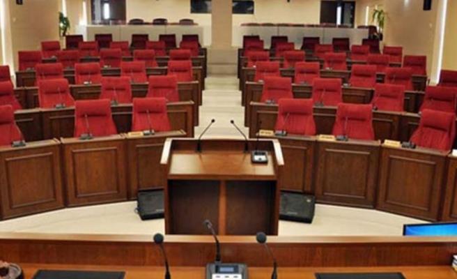 Koronavirüs önlemleri kapsamında Meclis'teki oturumlar ertelendi