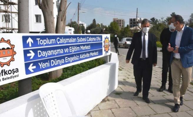 Sağlık Bakanı Ali Pilli, LTB'nin hizmete koyduğu aşı merkezini ziyaret etti