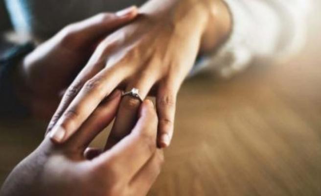 Uzun evliliklerin sırrı: Kullanmanız gereken sihirli sözcükler