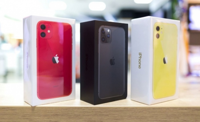 Apple'a 2 milyon dolar şarj cihazsız iPhone cezası