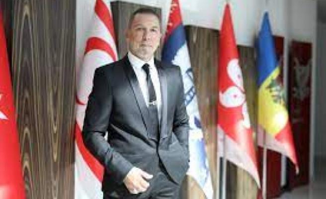 """Serhat Akpınar, """"Duruşumuz, devletimizin onursal geleceği için Cumhurbaşkanımızın yanında olmaktır"""""""