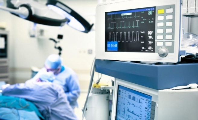 Koronavirüs hastasına ilk kez canlı donörlerden akciğer doku nakli yapıldı