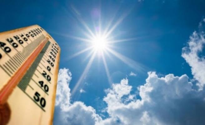 Araştırma: Sıcak hava ve uzun süreli güneş ışığı koronavirüsün yayılımını azaltıyor