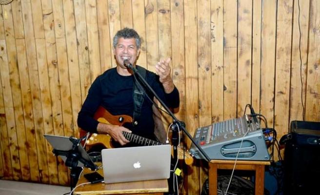 Kıbrıslı Usta sanatçı Ayhan Başkal, Facebook tarafından engelleniyor