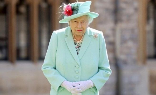 Kraliçe Elizabeth'in evine giren iki yabancı tutuklandı
