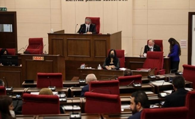 Meclis toplantısı 1 buçuk saat sürdü: Meclis genel kurulu gruplar arası mutabakatla sona erdi