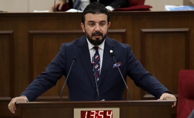 """Bertan Zaroğlu: """"Siyaseti düzeltirsek her şey düzelir; sistem değişikliği KKTC'ye ilaç olabilir"""""""