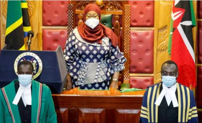Ülke tarihinde bir ilk... Savunma Bakanlığı'na kadın bakan atandı