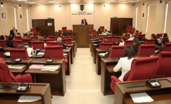 Meclis Genel Kurulu yarına ertelendi
