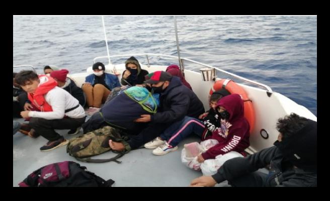 Yunanistan'ın ittiği göçmenleri yine Türkiye kurtardı