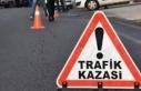 Güneşköy yakınlarında iki araç yüz yüze çarpıştı:...