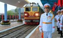 Kim Jong Un Hanoi'ye vardı