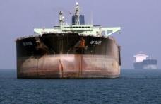 Suudi Arabistan'a göre tankerleri vuruldu, İran'a göre yabancı ajanlar komplo kurdu