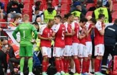 Danimarka Futbol Federasyonu, EURO 2020 maçında yere yığılan Christian Eriksen'in uyanık ve bilincinin açık olduğunu duyurdu.