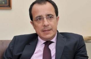 """Hristodilidis: """"Türkiye tehdit ediyor, biz de..."""
