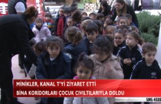 MİNİKLER, KANAL T'Yİ ZİYARET ETTİ