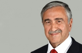 """""""Bayrak Üstünden Ucuz Siyaset Alışkanlığı..."""