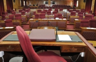 Cumhuriyet Meclisi dünden sonra bugün de toplandı....