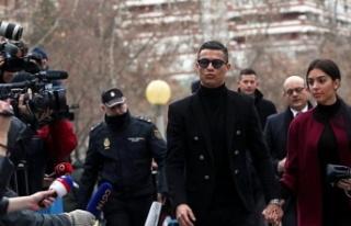 Ronaldo'ya 23 ay hapis ve 18.7 milyon euro para...