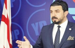 """Zaroğlu'ndan, """"Olmadı Serdar Denktaş""""..."""