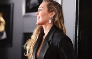 ABD'li şarkıcı Miley Cyrus: Modern ilişkilerde...
