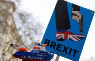 İngiltere'de Brexit yine istifa getirdi: 3 milletvekili...