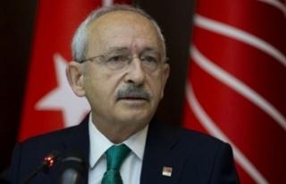 CHP lideri Kılıçdaroğlu'na cenaze töreninde...