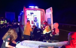 Düzce'de trafik kazası: 5 kişi öldü, 6 kişi...
