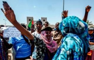 Sudan'da darbe: Protestolar yönetimin sivillere...