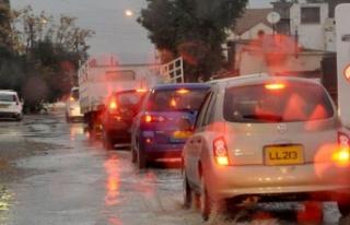 Yağışlı hava KKTC'de etkili oluyor