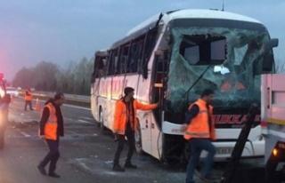Yolcu otobüsü devrildi