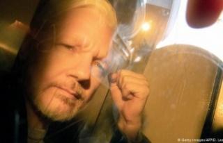 Londra'daki bir mahkeme WikiLeaks'in kurucusu...