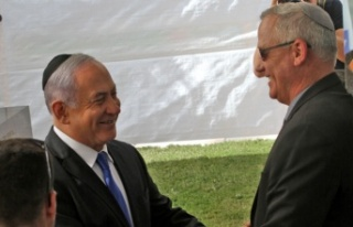 Çoğunluğu kaybeden Netanyahu'dan rakibi Gantz'a...