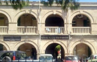 Girne'de mahkemede arbede: Savcı Egemen Metay'a...