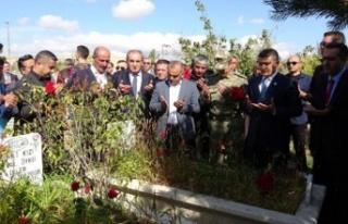 Van depreminin 8. yıl dönümünde Erciş'te...