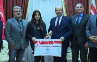 Başbakan Tatar Berilsu Meral'ı kutladı