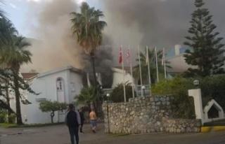 Lapta LA Hotel'de yangın çıktı: Ekipler müdahale...