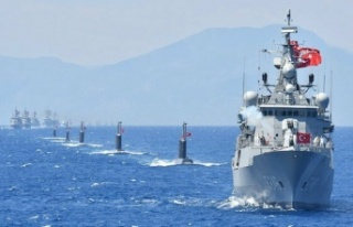 Türk donanması İsrail araştırma gemisini kovdu