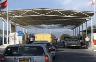 KKTC - Güney Kıbrıs sınır kapıları geçici...