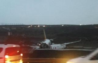 Sabiha Gökçen Havalimanı'nda bir uçak pistten...