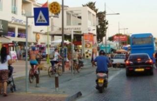 Güney Kıbrıs'ta Bazı Oteller Açılıyor