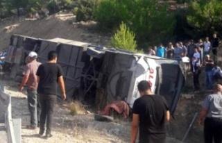 Son dakika... Mersin'de askerleri taşıyan otobüs...
