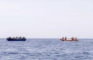 Akdeniz'de göçmenleri kurtaran tekneden Avrupa'ya...