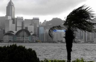 Çin'de karaya ulaşan Higos tayfunu, tropikal...
