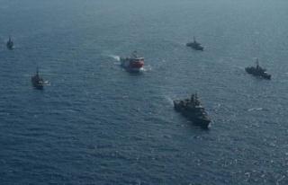 Oruç Reis sismik araştırma gemisine Türk Deniz...