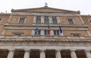 Yunanistan Parlamentosundaki Mısır ve İtalya ile...