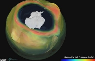 Antarktika üzerinde son dönemin en büyük ve en...