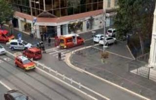 Fransa'da kilise yakınında bıçaklı saldırı:...
