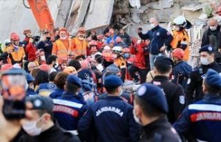 İzmir'deki depremde can kaybı 25'e, yaralı...